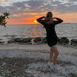 Abby Gleason - @fakeabbygleason - Instagram