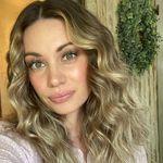 Alexa Pack - @thepackclan_ - Instagram