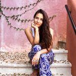 Alexis Gross - @alexisbethelyoga - Instagram