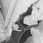Alicia Praya - @prayaalicia - Instagram
