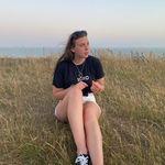 Beth Field - @beth.field_ - Instagram