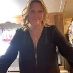 Betsy Hilton - @betsy.hilton.16 - Instagram