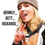 Emily Bett Rickards 💞 - @emily_bett_rickards_ - Instagram