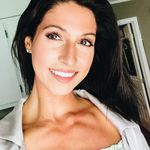 Esther Hilton - @hilton.er - Instagram