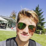 Henry Hollis - @hollisgetsdollas - Instagram