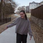 Julia McGill - @juliamcgill22 - Instagram