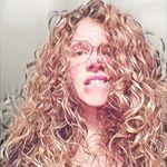 Karine Simoneau - @karinelou32 - Instagram