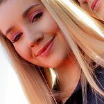 Liz Connor - @lizzie_connor - Instagram