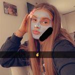 @_lottiedudley_ - Instagram