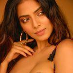 Malavika Mohanan - @malavikamohanan_ - Verified Instagram account