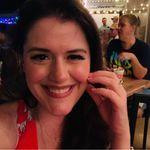 Meredith McGregor - @meredithisonthemoon - Instagram