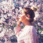 Rebekah Shapiro   🌍 Godiva - @planet_godiva - Instagram