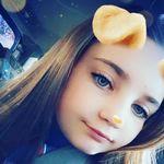 @violet_curran - Instagram